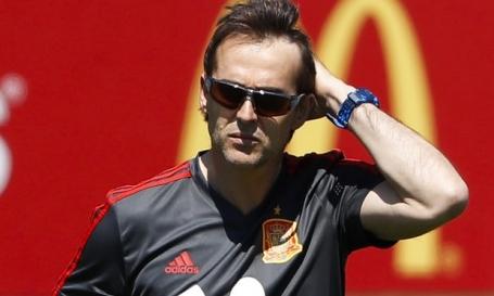 HLV Lopetegui bị sa thải chỉ hai ngày trước trận đầu ở World Cup gặp Bồ Đào Nha