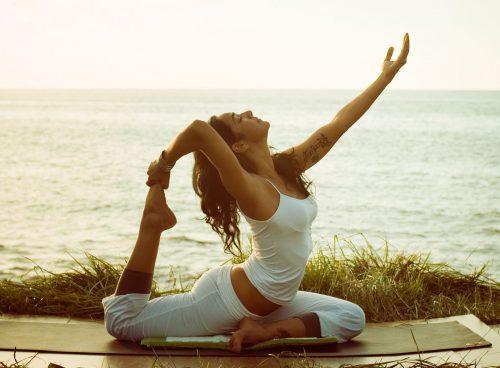 yoga-mon-the-thao-nhe-nhang-giup-cai-thien-suc-khoe-phu-nu- 1