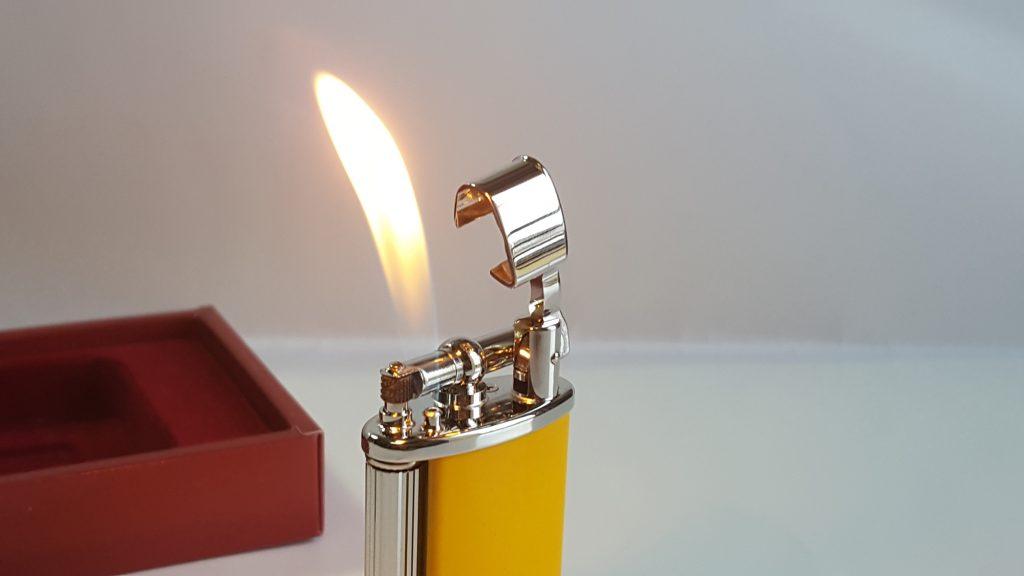 Tự vệ bằng bật lửa dễ dàng và nhanh chóng