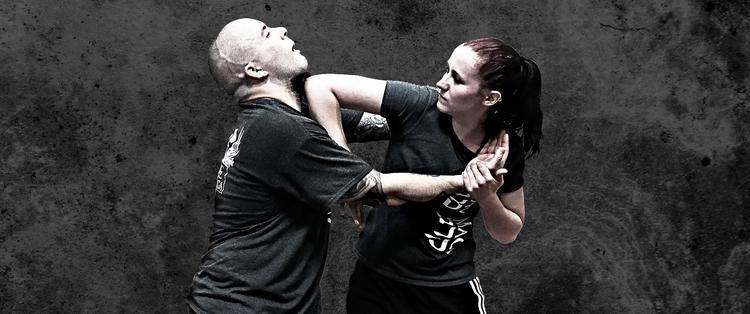 Học viên theo học môn võ thuật Krav Maga