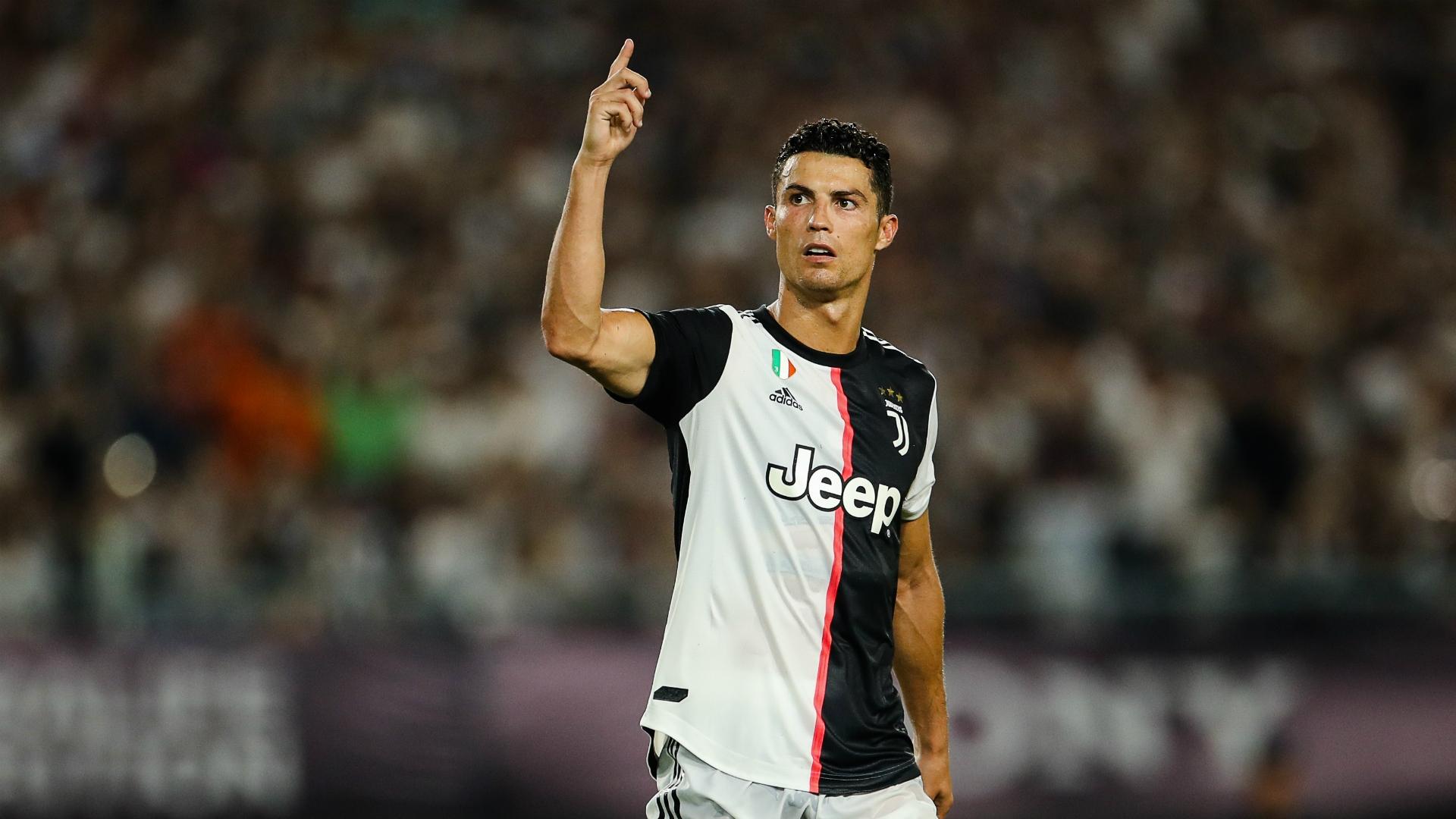 Phí chuyển nhượng của Ronaldo đạt tới102 triệu bảng anh